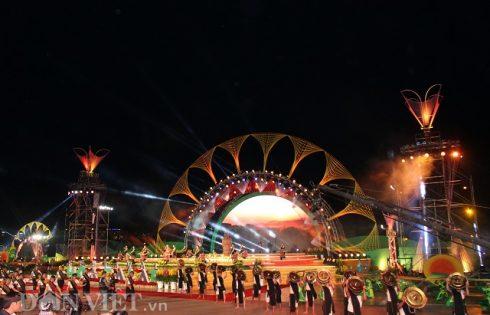 15.000 người tham dự khai mạc Festival hoa Đà Lạt